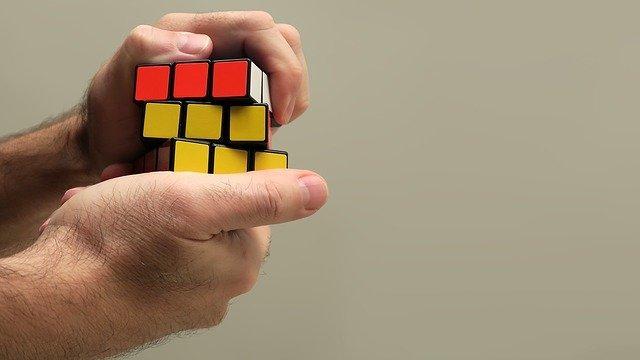 Hur man löser en rubiks kub